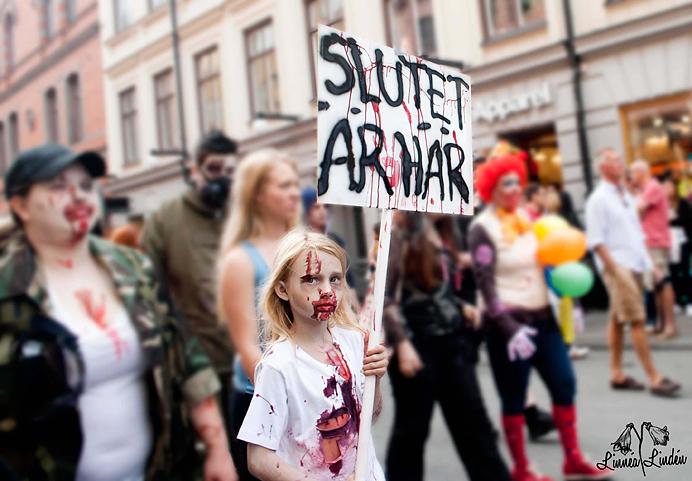 Stockholm-Zombie-Walk-2012-12
