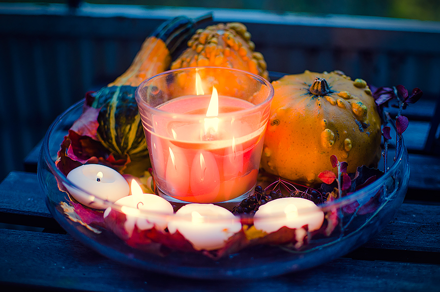 Autumn decoration pumpkin candle leaves DIY Do it yourself