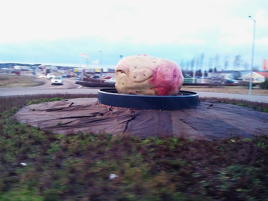 Potatis rondell konst mjölby rondellkonst
